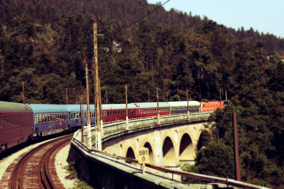 trein-koper-slovenie-rails
