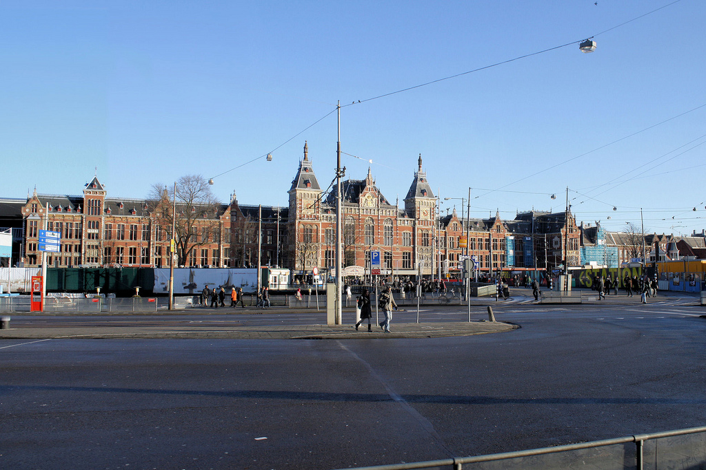 Station Amsterdam Centraal - © Robert Cutts