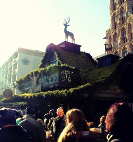 Lichtjes spotten op de kerstmarkt in Keulen