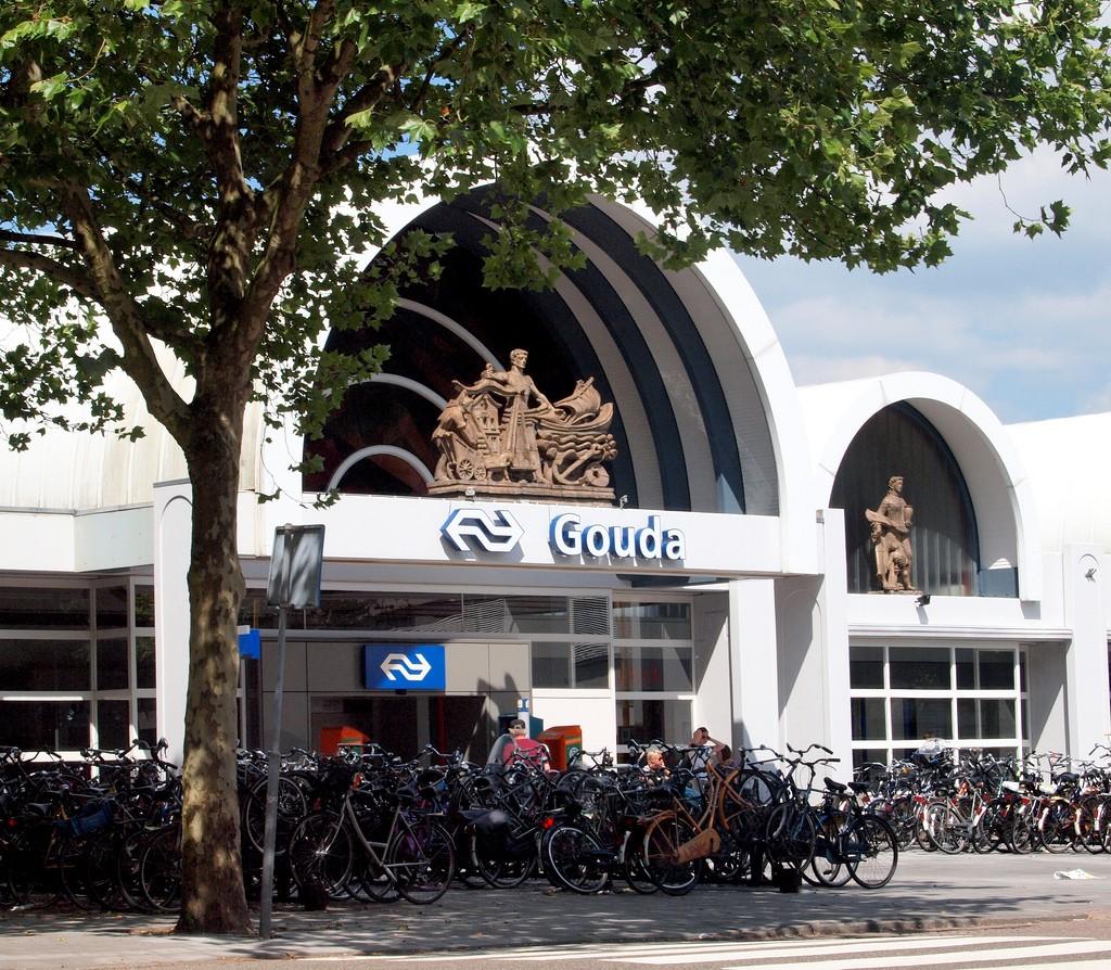 Het huidige station van Gouda. - ©Zoetnet