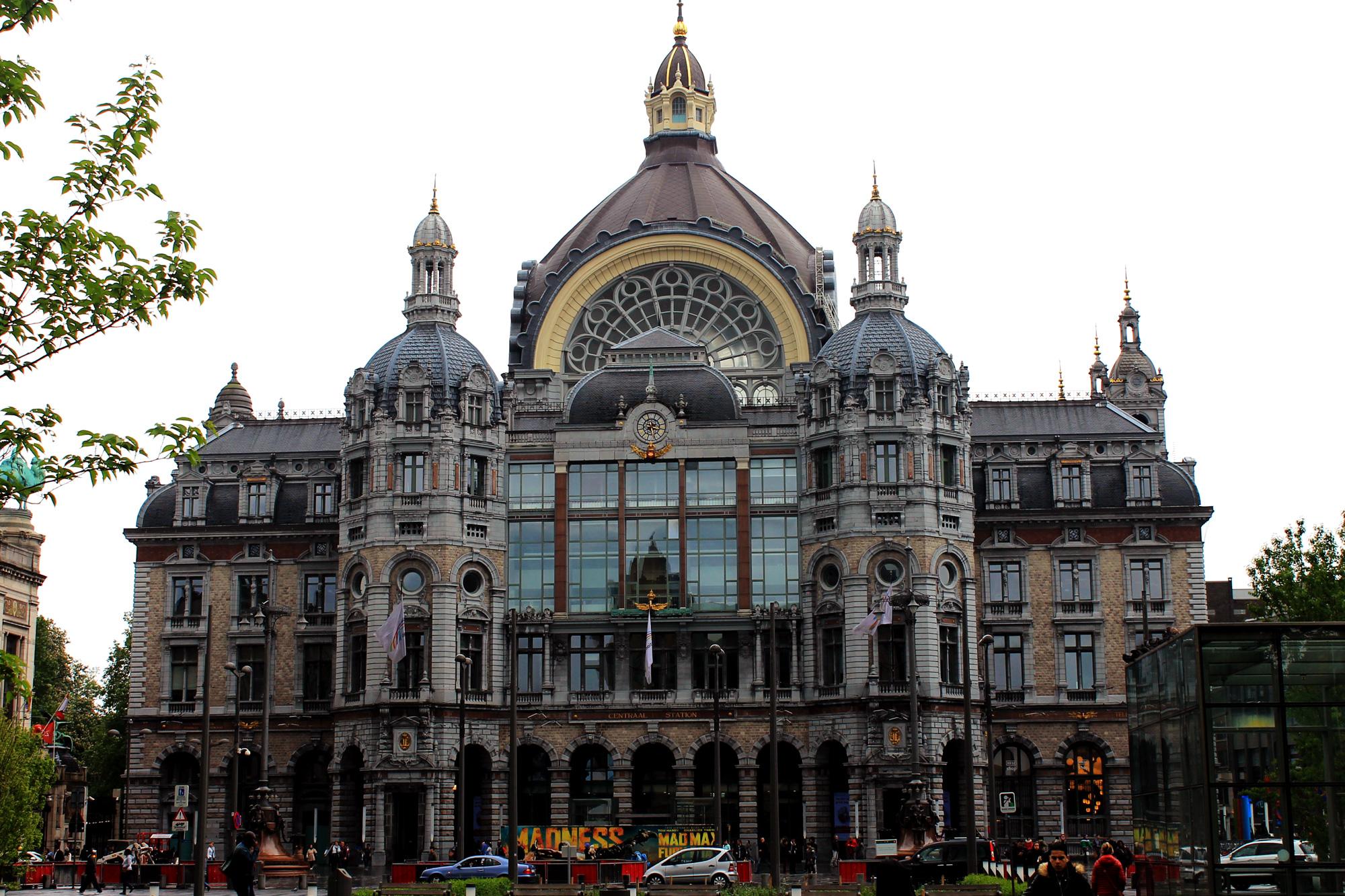 Terug in de tijd...Antwerpen Centraal - Reizen met de trein