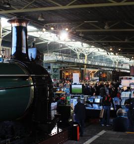 Klein ontmoet groot tijdens OnTraXs in het Spoorwegmuseum