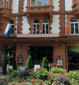 Naast het spoor: Hotel Waldstätterhof