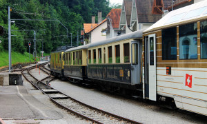 Video: Reis mee met de GoldenPass Line