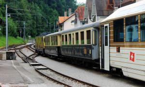 Video: Reis mee met de GoldenPass Line